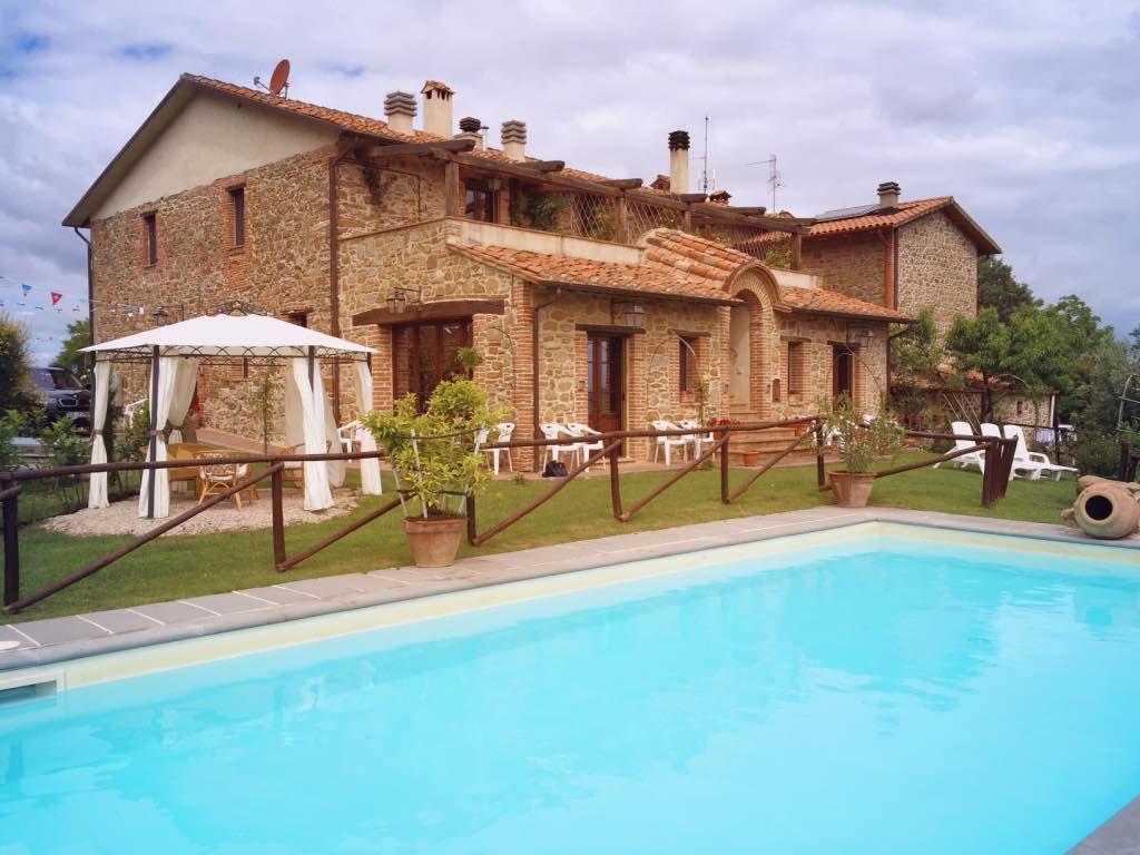 Ferienhaus Lago Trasimeno bis 14 Pers. privater Pool
