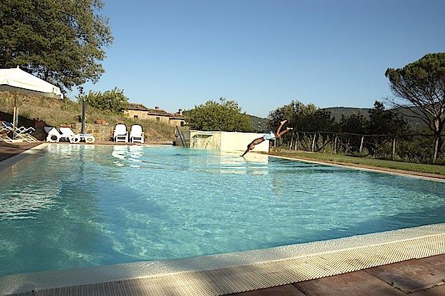 Appartement für 2-3 Personen mit Pool an der Grenze zu Umbrien